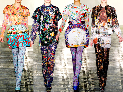 Modelos de la última colección de Mary Katrantzou.